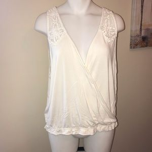 American Eagle Outfitters White Top XL